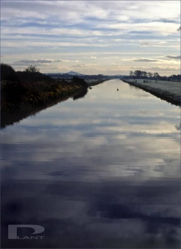Glastonbury-tor-and-south-drain-river-somerset