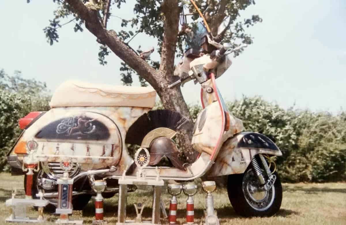 Vespa-custom-scooter-chariot-of-gods-with-awards
